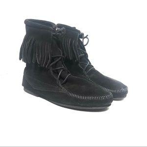 Minnetonka Womens Black Fringe Booties Size 10